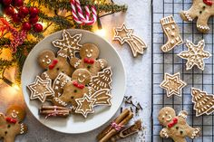 Wishing you Merry Christmas 2019 Christmas Cookies Gift, Christmas Sweets, Gingerbread Man, Gingerbread Cookies, Cookie Shots, Wish You Merry Christmas, Sweet Cookies, Cookie Swap, Cookie Exchange