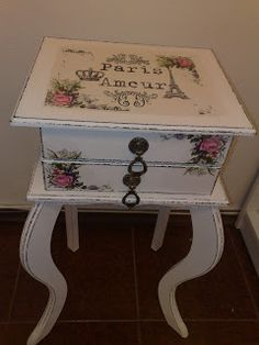 Decoupage Vintage, Decoupage Table, Decoupage Furniture, Chalk Paint Furniture, Diy Furniture, Muebles Shabby Chic, Shabby Chic Decor, Wood Artwork, Painting On Wood