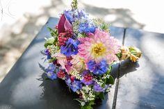 Bouquet Aldine por Katia Criscuolo #casamento #wedding #bouquetdecasamento #weddingbouquet #beachwedding #inspirationwedding #flores #flowers #bridalbouquet #bouquet #weddingceremony