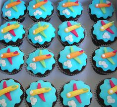 @Antonia Krajicek, i thought you would like these fondant airplane cupcakes