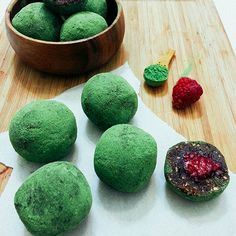 'Tis the season for green, red and sweet holiday cheer! So when our blogger friend, Lina Saber (widely known as BySaber) created these matcha-covered, raspberry -filled energy balls, we couldn't wait to share them with you! These little guys are delicious, rich and nutritious. The perfect energy booster and festive treat ROLLED into one. Literally ;)