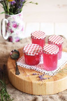 Lavender jelly © Frau Zuckerstein on We Heart It Chutneys, Holiday Party Appetizers, Jam And Jelly, Liqueur, Vegetable Drinks, Healthy Eating Tips, Healthy Nutrition, Diy Food, Love Food