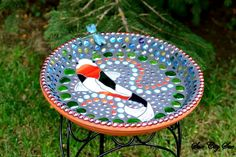 Mosaic bird bath by Sioux City Sue