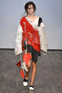 Watch Your Back, Parsons Grads. The Swedish School of Textiles Has Produced a Slew of Promising Young Designers Anti Fashion, Unique Fashion, Fashion Details, Fashion Art, Runway Fashion, High Fashion, Fashion Show, Fashion Outfits, Womens Fashion