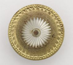 ¤ Button made in Birmingham between 1780 and 1820 collected by James Luckcock.
