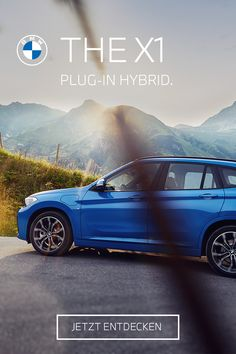 Elektrisierende Dynamik auf jeder Straße. THE X1. Der BMW X1 xDrive25e Plug-In Hybrid kennt keine Grenzen. BMW X1 xDrive25e: 162 kW (220 PS), Kraftstoffverbrauch gesamt 1,7 l/100 km, Stromverbrauch von 15,3 kWh/100 km bis 15,0 kWh/100 km, CO2-Emissionen 39 g CO2/km. Angegebene Verbrauchs- und CO2-Emissionswerte ermittelt nach WLTP. Bmw Z4 Roadster, Co2 Emission, Bmw X5 M, Touring, Diesel, Beautiful People, Automobile, Cars, Projects