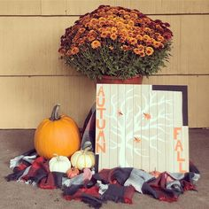 I'm honestly just your typical suburban mom.but I'm not a mom. Fall Decorations, Fabric Crafts, Arts And Crafts, Artsy, Pumpkin, Wreaths, Autumn, Mom, Flowers
