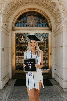Nursing Graduation Pictures, College Graduation Pictures, Graduation Picture Poses, Graduation Portraits, Graduation Photoshoot, Grad Pics, Senior Photography Poses, Graduation Photography, Girl Senior Pictures
