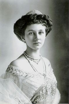 Princess Viktoria Luise, wearing the Prussian meander tiara given to her by her father, Kaiser Wilhelm II.  She gave it to her daughter, Princess Frederica of Hanover.
