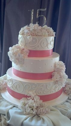 Minuets the topper and would be pretty wedding cake too. Sweet 15 Cakes, Cute Cakes, Sweet Fifteen, Sweet 16, 16 Cake, Cupcake Cakes, Beautiful Cakes, Amazing Cakes, Quinceanera Cakes
