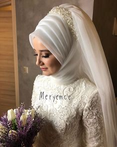 Islam Marriage, Marriage Dress, Muslim Wedding Dresses, White Wedding Dresses, Bridal Hijab Styles, Queen Victoria Albert, Stylish Hijab, Wedding Henna, Beautiful Henna Designs