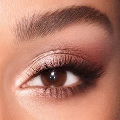 Shop the makeup kit featuring a sparkling rose gold eyeshadow palette and sheer glittering lipstick in a sparkling nude-pink or bronze-coral shade. Soft Eye Makeup, Makeup Eye Looks, Eye Makeup Art, Nude Makeup, Pink Makeup, Eyeshadow Makeup, Eyeshadow Palette, Eye Makeup For Hazel Eyes, Light Eye Makeup