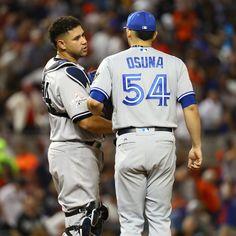 Yankees catcher Gary Sanchez and Blue Jays closer Roberto Osuna Gary Sanchez, Rogers Centre, Killing Me Smalls, Toronto Blue Jays, Ny Yankees, Catcher, Closer, Baseball, Sports