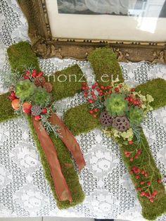 Christmas Diy, Christmas Wreaths, Autumn Decorating, Confetti, Floral Arrangements, Seasons, Holiday Decor, Home Decor, Gardens