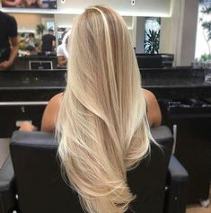 21 Beliebte Haarfarben und Frisuren für hair Related posts: Unique hairstyles for shoulder-length hair Trend to silver hair: 51 cool gray hair colors and tips for it Nice hairstyles for short hair over 50 20 Perfect short hairstyles for straight hair Blonde Hair Looks, Blonde Wig, Long Blond Hair, Blond Hair Colors, Perfect Blonde Hair, Blonde Brunette, Blonde Hair Shades, Brown Blonde, Blonde Hair Light Brown Roots