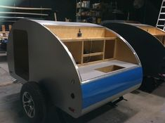 Teardrop Build Pictures: How an Oregon Trail'R Teardrop is Built.