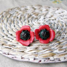 Red poppy earring  Floral earring  red studs earring by OPStyle