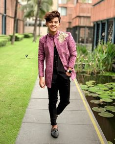 Image may contain: one or more people, people standing and outdoor Photo Poses For Boy, Cute Boy Photo, Boy Poses, Mens Photoshoot Poses, Stylish Photo Pose, Romantic Boyfriend, Cute Boys Images, Tv Star, Handsome Celebrities