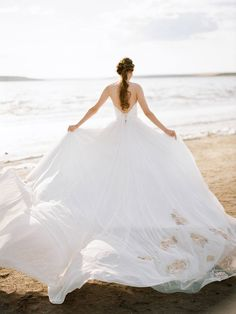 7 Versatile Cool Tips: Cream Colored Wedding Dresses wedding dresses strapless blush.Beach Wedding Gowns 2018 wedding dresses 2018 plus size.Wedding Dresses 2018 Plus Size. Disney Wedding Dresses, Wedding Dress Train, Wedding Dresses With Straps, Princess Wedding Dresses, Modest Wedding Dresses, Wedding Dress Styles, Designer Wedding Dresses, Tulle Wedding, Ivory Wedding