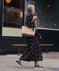 Polka Dot street style fashion / fashion week Source by scoutthecity dress outfit Printemps Street Style, Spring Street Style, Street Style Looks, Street Style Women, Summer Street, Street Styles, Men Street, Dress Outfits, Fashion Outfits