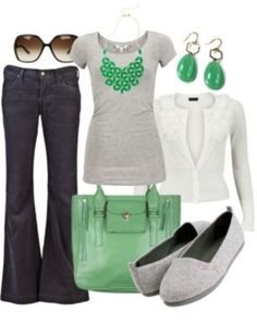 Love the white and green. I don't like the shoes, going to try this outfit with nude heels.