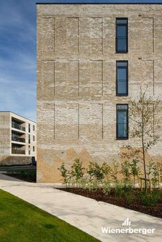 The Seven Acres residential project in the UK garnered a whole series of awards before it was even completed. The prizes recognized not only the architecture that features the Wienerberger Terca Marziale facing brick, but also the concept of sustainability applied in the 128 newly constructed homes. Photographer: Louis Sinclair