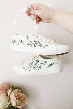 comment customiser ses chaussures tennis broderie clemaroundthecorner #stansmithdiy #diy #dotiyourself #sneakershack #stansmith #stansmithhack