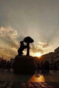 El oso y el madroño. MADRID.