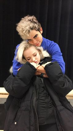 Dove Cameron et Cameron Boyce Disney Channel Stars, Disney Stars, Disney Channel Movies, Les Descendants, Disney Channel Descendants, Cameron Boyce Descendants, Cameron Boys, Boyce Cameron, Dave Cameron