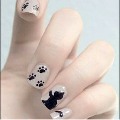 Adorable kitten nails