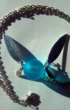 Legend of Zelda Naviinspired fairy necklace by HylianCrafts.