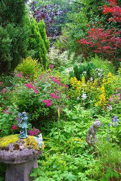 english garden An English Country Garden Beautiful Gardens, Beautiful Flowers, Landscape Design, Garden Design, Home And Garden Store, English Country Gardens, Longwood Gardens, Parcs, Garden Spaces