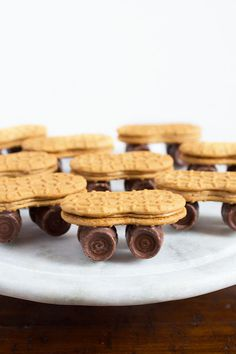 Nutter Butter Skateboards with Rolo Wheels - Cook Fast, Eat Well Trains Birthday Party, Birthday Treats, Boy Birthday Parties, Birthday Fun, Boys Birthday Cakes Easy, Birthday Recipes, Skateboard Party, Finger Skateboard, Party Snacks