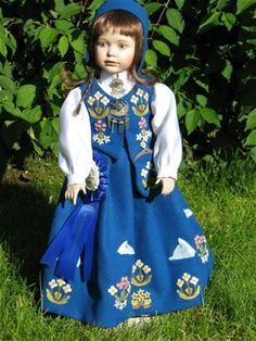 Bunadsdukker - www.no svalbard Norway, Ethnic, Pride, Summer Dresses, Disney Princess, Costumes, Dolls, Disney Characters, Accessories