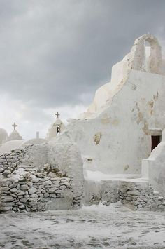 Snow in Mykonos , this is an experience !