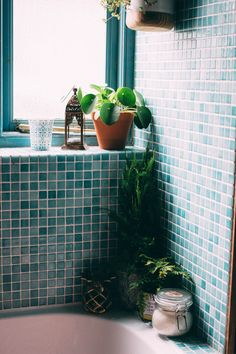 Bathroom Makeover | Rush & Teal Adding greenery in to create my bathroom sanctuary.