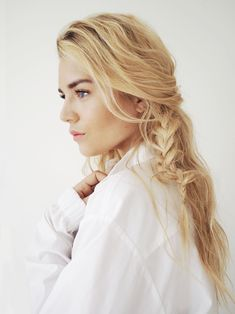 http://isabellathordsen.dk/  - Love to style my hair with natural waves and a messy braid at the moment. Easy and effortless hair look. See more on my blog :-)