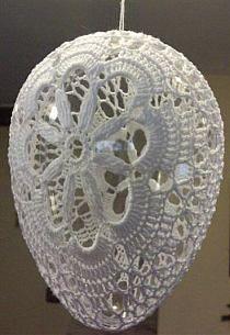 wielkanoc -szydełkowe rękodzieło na Stylowi.pl Crochet Ball, Easter Crochet, Thread Crochet, Crochet Doilies, Etsy Christmas, Christmas Tree Ornaments, Yarn Crafts, Diy And Crafts, Crochet Angels