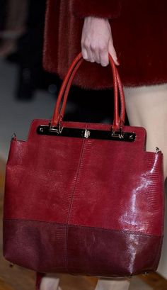Feast Your Eyes on the Best Bags From Paris Fashion Week Fall Valentino Fall 2013 Fashion Handbags, Purses And Handbags, Fashion Bags, Paris Fashion, Fashion Ideas, Valentino, Beautiful Handbags, Beautiful Bags, Sacs Design