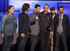 Mike Shinoda Photos Photos - (L-R) Musicians Joe Hahn, Rob Bourdon, Mike Shinoda, Chester Bennington, Dave Farrell and Brad Delson of Linkin Park accept the award for Favorite Alternative Rock Artist onstage during the 40th American Music Awards held at Nokia Theatre L.A. Live on November 18, 2012 in Los Angeles, California. - The 40th American Music Awards - Show