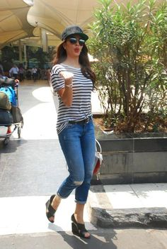 Jacqueline Fernandez in a striped tshirt and blue jeans - 51454 - SeenIt Bollywood Outfits, Bollywood Fashion, Bollywood Saree, Cute Casual Outfits, Girl Outfits, Fashion Outfits, Casual Attire, Fashion Styles, Fashion Ideas