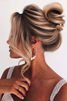 Long Hair Wedding Updos, Bridal Hair Updo, Wedding Hairstyles, Pageant Hair Updo, Updo For Long Hair, Updos For Medium Length Hair, Medium Hair Styles, Curly Hair Styles, Brown Ombre Hair