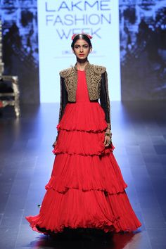 Scarlet Bindi - South Asian Fashion and Travel Blog by Neha Oberoi: Lakme Fashion Week Winter/Festive 2016: Shantanu & Nikhil