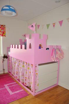 Bygga om barnsäng - prinsessa/slott