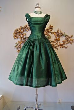 Absolutely GORGEOUS 1950's Gown. Dress of my dreams!