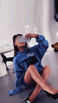 and my main for more loves! and my main for more loves! Ariana Grande Fotos, Ariana Grande Outfits, Cabello Ariana Grande, Ariana Grande Photoshoot, Ariana Grande Cute, Ariana Grande Pictures, Ariana Grande Background, Ariana Grande Wallpaper, Ariana Instagram