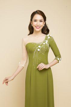 Korean Fashion Trends you can Steal – Designer Fashion Tips Dress Neck Designs, Stylish Dress Designs, Designs For Dresses, Stylish Dresses, Modest Fashion Hijab, Fashion Dresses, Indian Designer Outfits, Designer Dresses, Girls Dresses Sewing