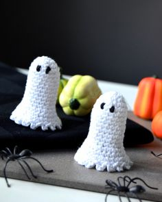 Hæklet halloween spøgelse Crochet Pattern, Diy And Crafts, Creative Things, Knitting, Blog, Amigurumi, Velvet, Creative, Crochet Throw Pattern