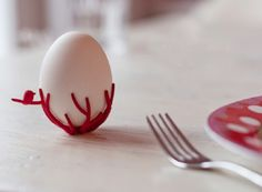 This 3D printed egg holder also uses the elasticity of the 3D printing material, polyamide. Gijs de Zwart of Studio Gijs designed the branch-like shape which flexes to fit different egg sizes.