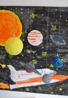 Als wir angefragt wurden, ob wir für ein spezielles Projekt zum Thema Weltraum ein paar Requisiten beisteuern wollten, waren meine Jungs...